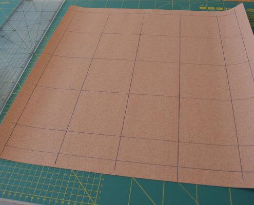 Arbeitsschritte zur kostenlosen Anleitung einer Tischauflage Tischdecke aus Korkstoff von korkundkulör