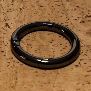 taschenaccessoires-Ringaufhängung-schwarzmetallic